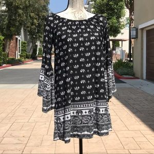 Black and White Tunic Top (or dress)